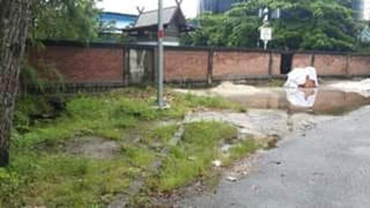 Tembok yang dibangun PT Pelindo Dumai
